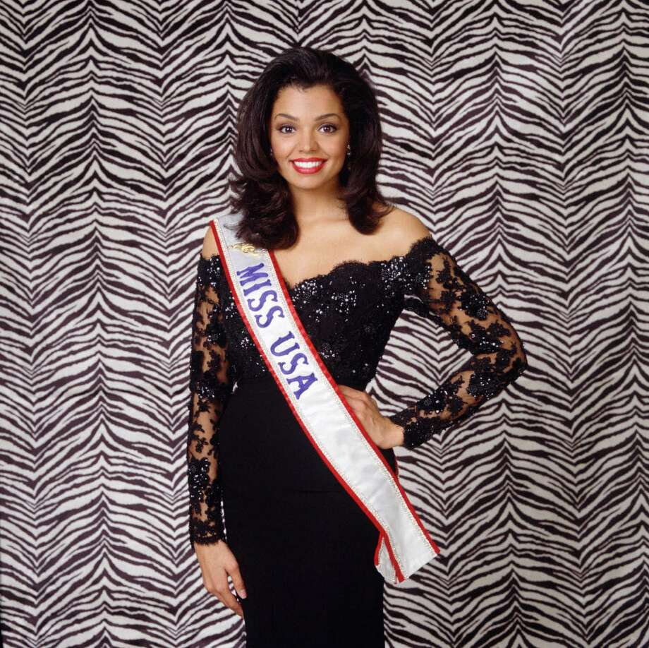Chelsi Smith, 1995 Miss Universe from Texas, dies at age 45