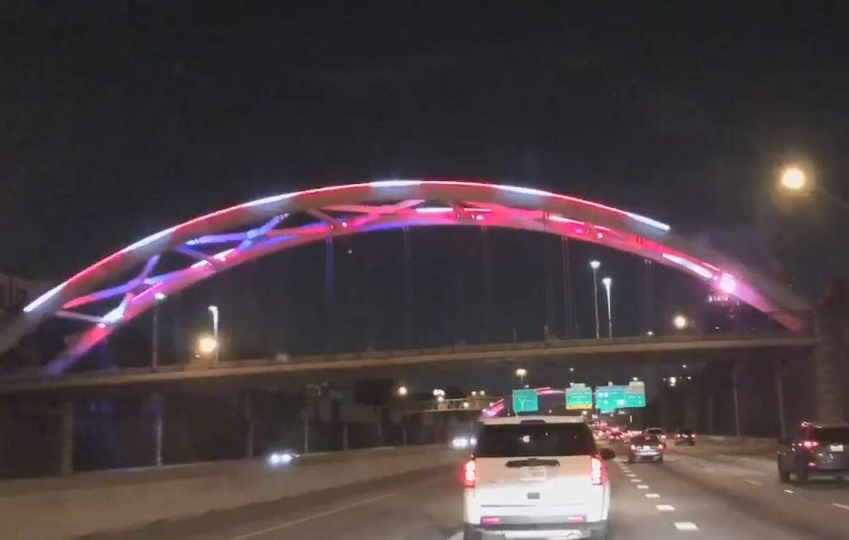 PHOTOS: Houstonians share their favorite local landmarks This past weekend the Montrose-area bridge lights over the Southwest Freeway were glowing in UH red and white. >>>See what Houstonians can't stop looking at...