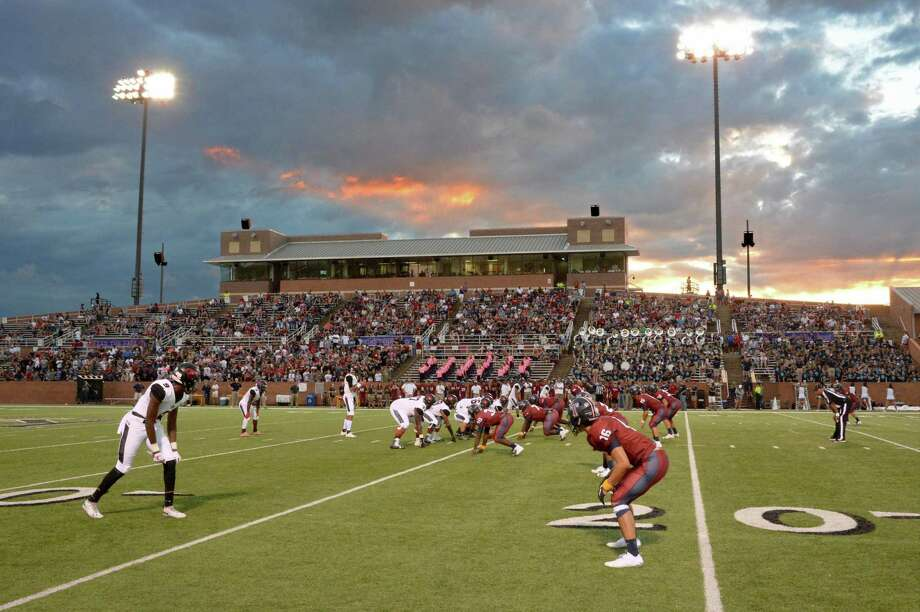 Undefeated Tompkins leads five winning football teams in ...