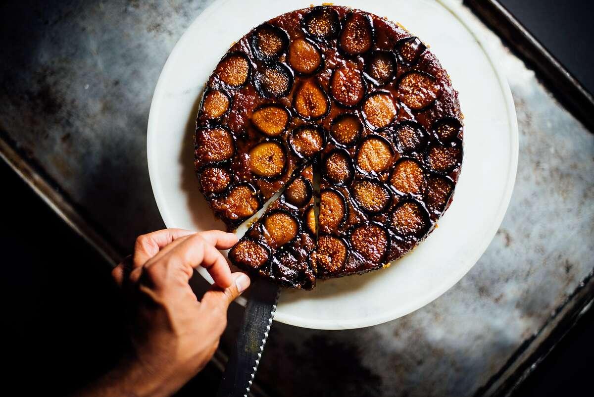 Fig upside-down cake