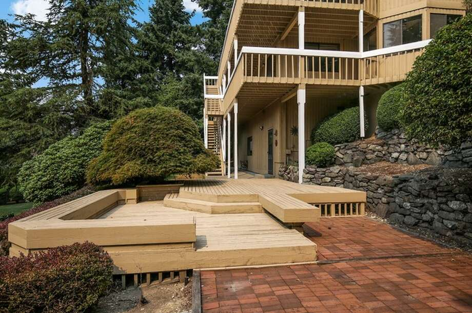 27315 48th Ave S, Kent, WA 98032 listed for $700,000. See full listing below. Photo: Listing Provided Courtesy Of Redfin Corp.