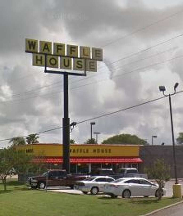 You Ll Know Hurricane Florence Is Bad When The Waffle House Index