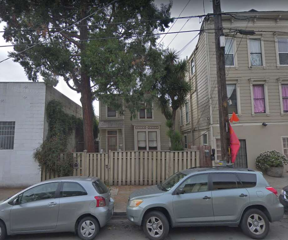 You can own the Victorian house at 2325 Valley Street in Oakland for free. All you have to do is move it. Photo: Google Maps