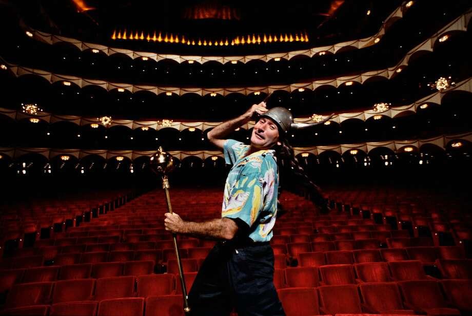 Description: Arthur  Grace  Robin  on  Stage  of  the  Metropolitan  Opera  House  During  Publicity  Shoot,  New  York,  1986 40  x  30  in.;  101.5  x  76.2  cm  Estimate  $1,000-$2,000  ©  Arthur  Grace Photo: Courtesy Of Sotheby's New York