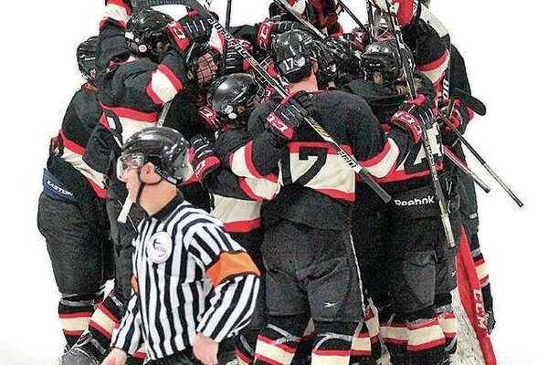 The SIUE Cougars hockey team will begin its season this weekend against Lewis University with home games Friday at 6:15 p.m. and Saturday at 3 p.m. at the East Alton Ice Arena.