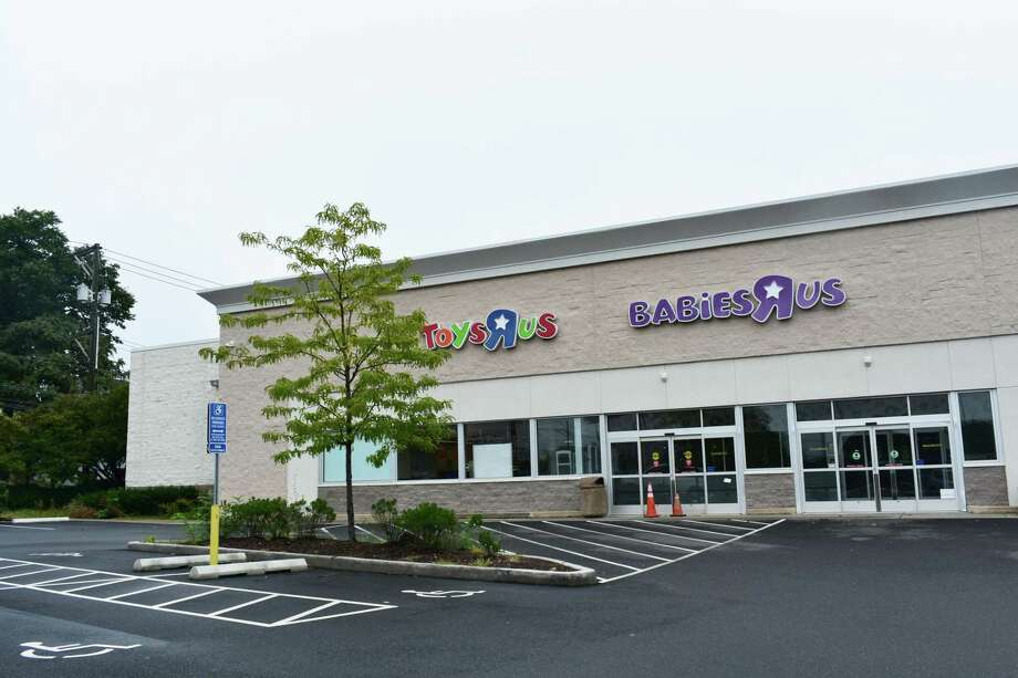 The former Toys R Us and Babies R Us store at 59 Connecticut Ave. in Norwalk has been sold. Photo: Alexander Soule / Hearst Connecticut Media / Stamford Advocate