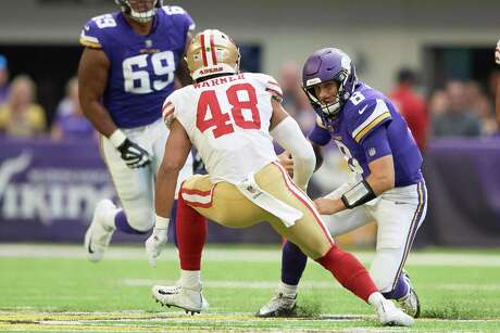 MINNEAPOLIS, MN - SEPTEMBER 09: Kirk Cousins #8 of the Minnesota Vikings scrambles with the ball against Fred Warner #48 of the San Francisco 49ers during the game on September 9, 2018 at U.S. Bank Stadium in Minneapolis, Minnesota. The Vikings defeated the 49ers 24-16. (Photo by Hannah Foslien/Getty Images) Photo: Hannah Foslien / Getty Images / 2018 Hannah Foslien