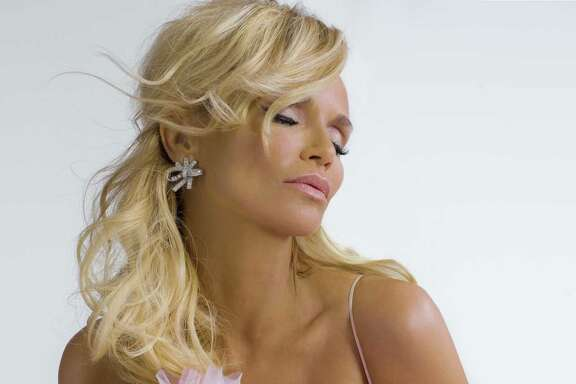 "Kristin Chenoweth covers American Songbook classics on ""The Art of Elegance."""