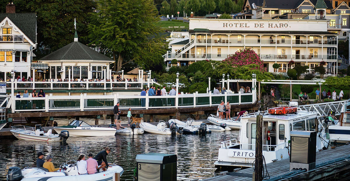 Friday Harbor hosts all the weekend romance. Read on for all the romantic getaways to write in on your calendar, and keep clicking for Valentine's Day dinner ideas you can nab for this weekend.
