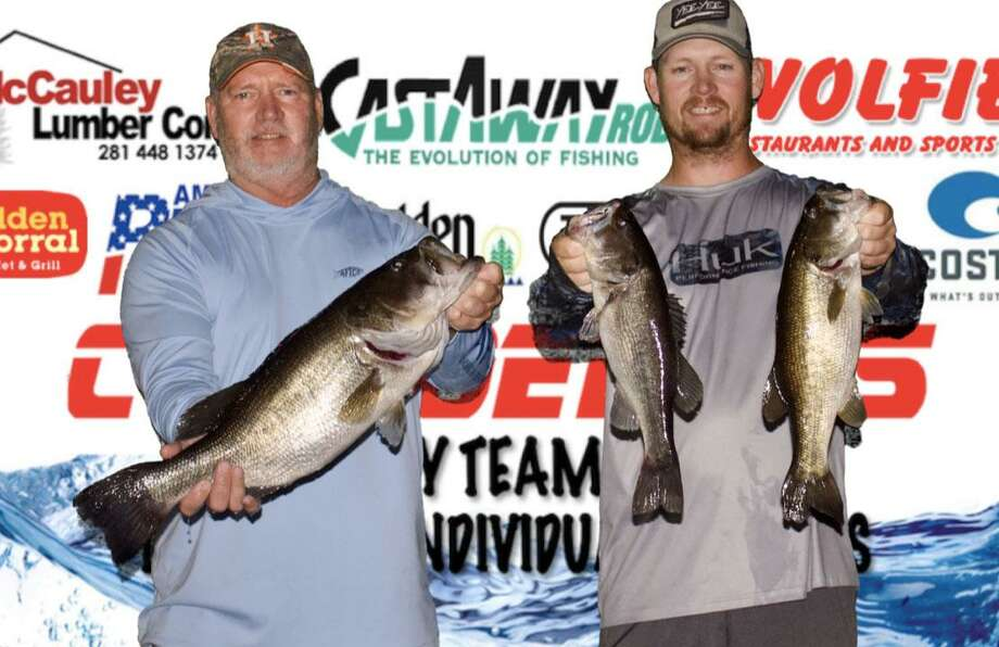 Tim and Evan Carlson won the CONROEBASS Tuesday Tournament with a stringer total weight of 13.54 pounds. Photo: Conroe Bass