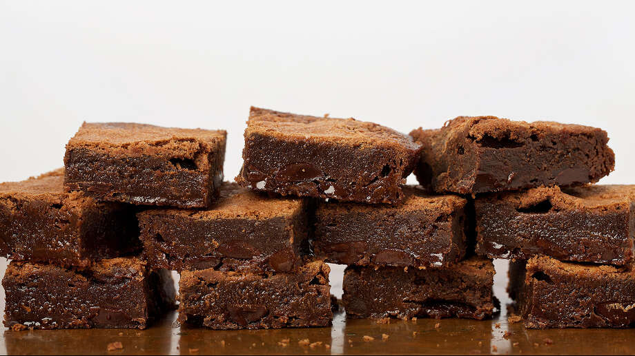 Fudgy Flourless brownies. Photo: Photo For The Washington Post By Deb Lindsey. Food Styling For The Washington Post By Amanda Soto / Deb Lindsey For the Washington Post