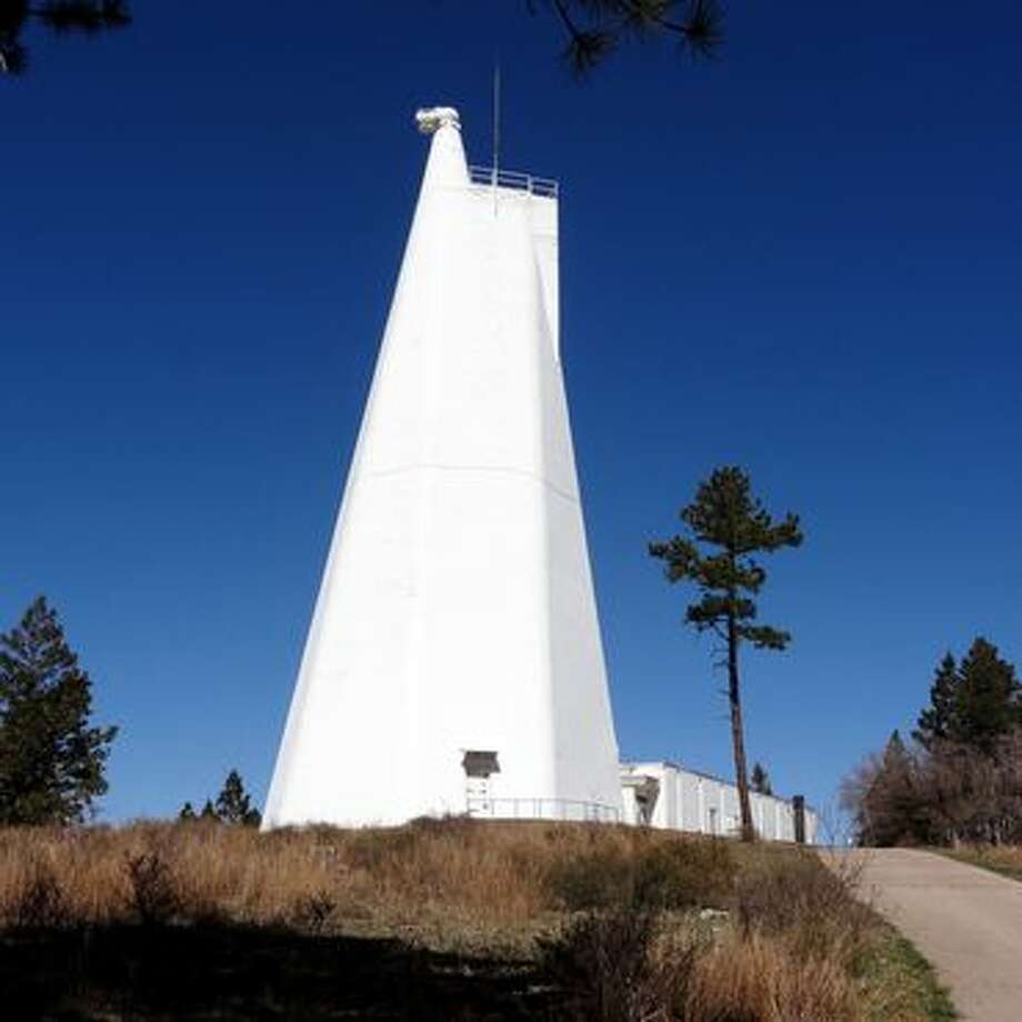 The Dunn Solar Telescope at the Sunspot Solar Observatory. Photo: Amanda Kooser/CNET