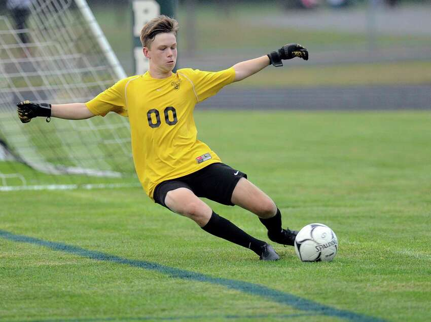 Schalmont's goalkeeper Taylorr Ryan (00) makes a stop against Ichabod Crane during a Section II boys' soccer game Wednesday, Sept. 12, 2018, in Rotterdam, N.Y. (Hans Pennink / Special to the Times Union)