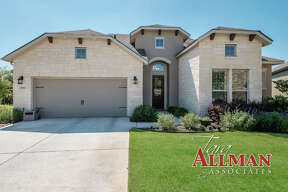 Sponsored by Tara Allman of Keller Williams San Antonio VIEW DETAILS for 23011 DIAMANTE SAN ANTONIO, TX 78261 MLS: 1305851 CLICK HERE for Virtual Tour