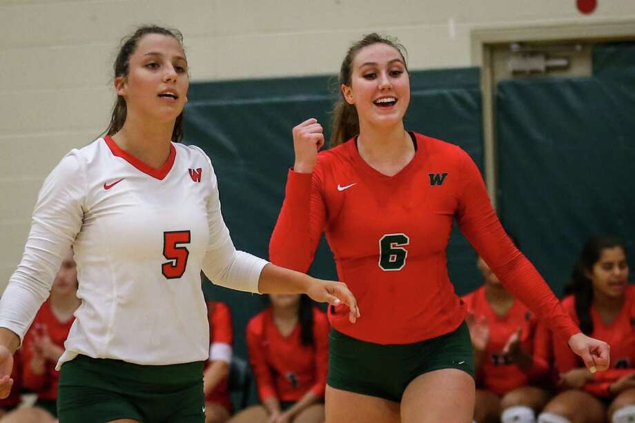 The Woodlands' Courtney Heiser (6) and Georgia Murphy (5) were named to AVCA All-America watch list. Photo: Michael Minasi, Staff Photographer / Houston Chronicle / © 2018 Houston Chronicle