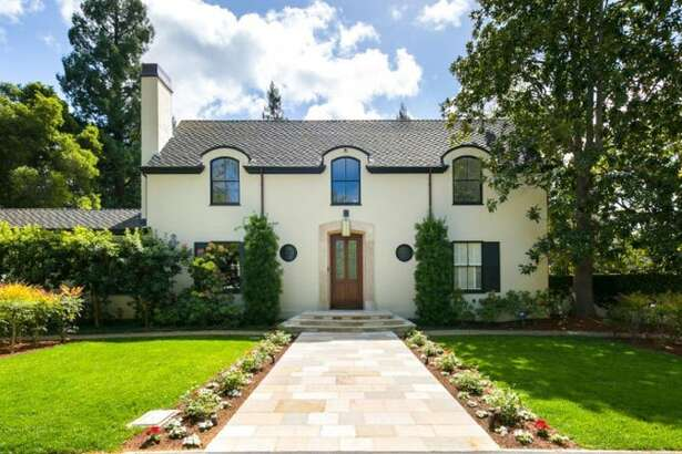 LinkedIn CEO Jeff Weiner has closed another winning sale, this time his Menlo Park mansion.
