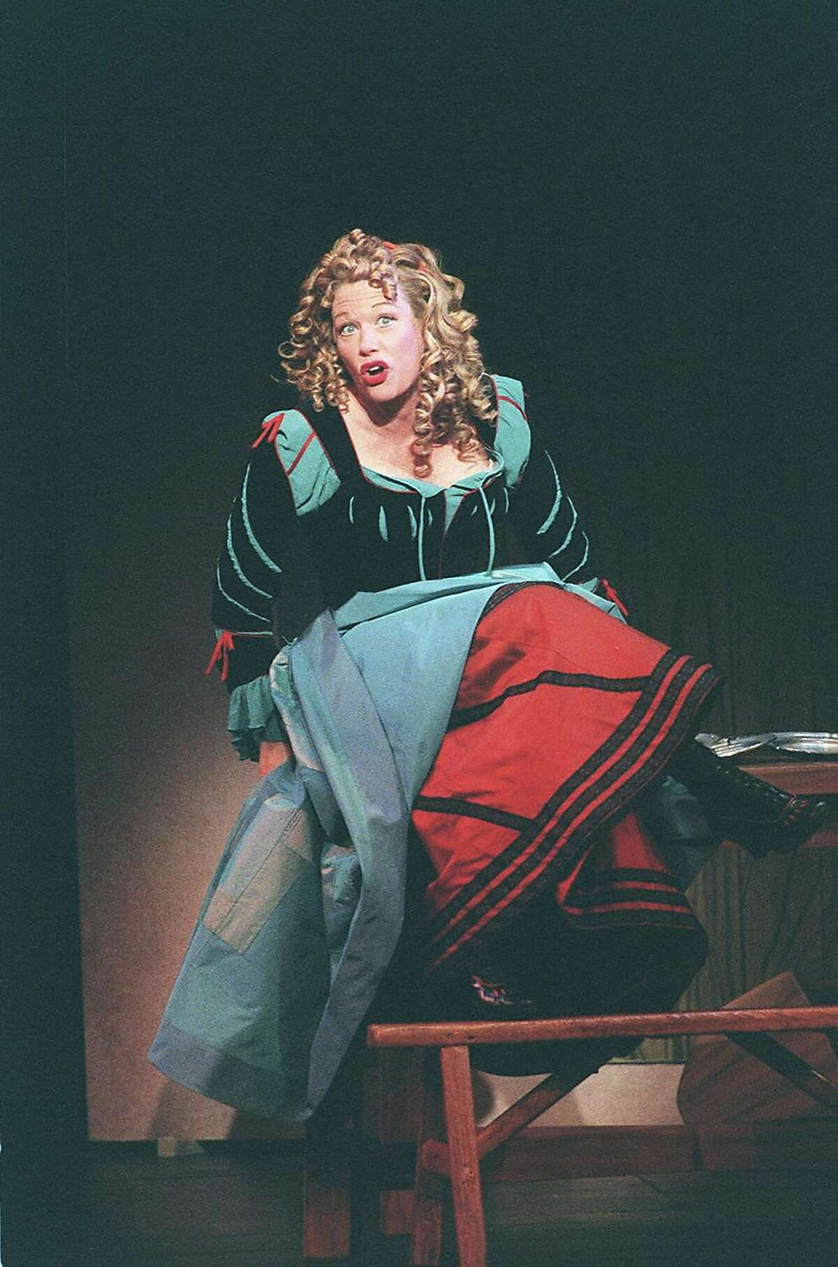"""FILE -- Marin Mazzie in """"Kiss Me, Kate,"""" at the Martin Beck Theater in New York, Oct. 27, 1999. Mazzie, a sought-after musical-theater actress whose Broadway work earned her three Tony Award nominations in six years, died on Sept. 13, 2018, at her home in Manhattan. She was 57. (Sara Krulwich/The New York Times)"""