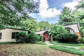 House of the Week: 855 Avon Crest Blvd., Niskayuna | Realtor: Bonnie Sindel of Coldwell Banker Prime Properties | Discuss: Talk about this house