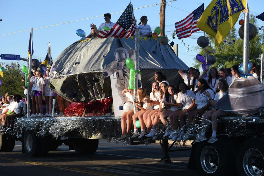 Midland High homecoming parade Sept. 13, 2018. James Durbin/Reporter-Telegram Photo: James Durbin / ? 2018 Midland Reporter-Telegram. All Rights Reserved.