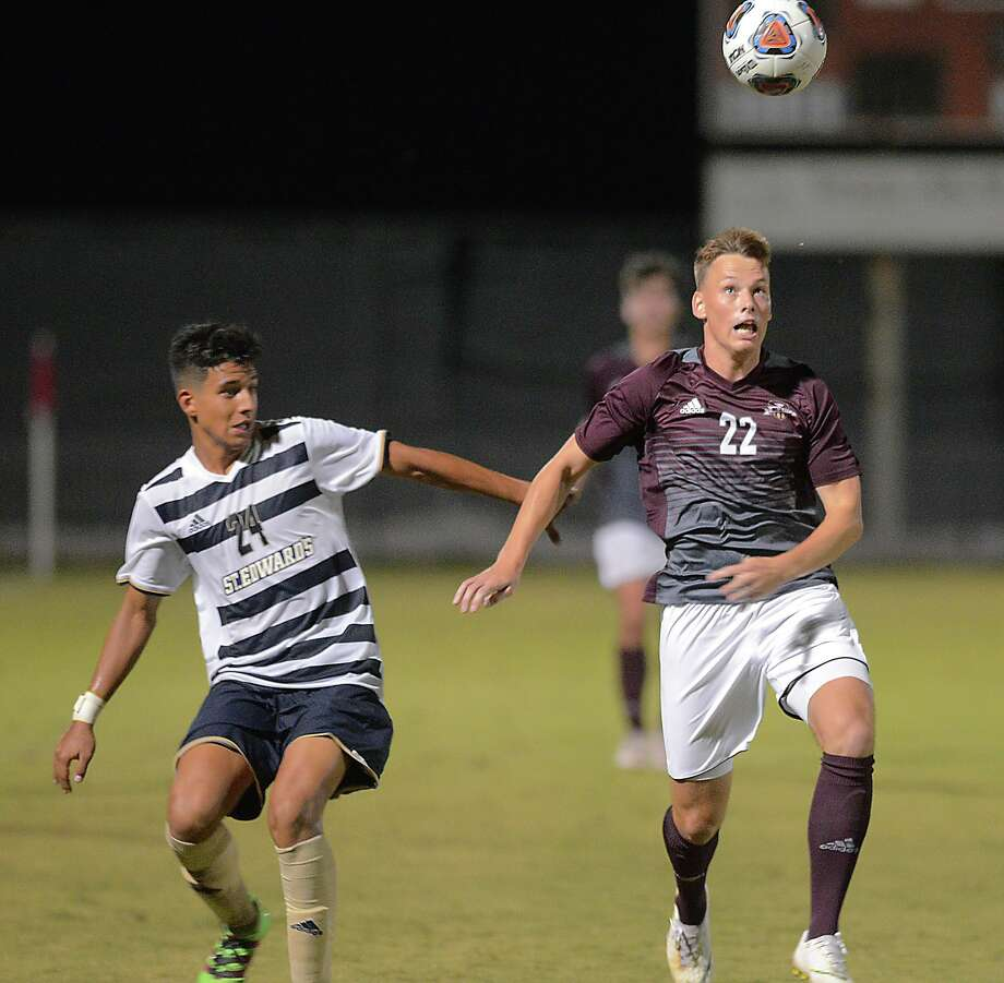 TAMIU midfielder Ruben Nielsen is joining the Laredo Heat after recently closing out his senior season with the Dustdevils. Photo: Cuate Santos / Laredo Morning Times File / Laredo Morning Times