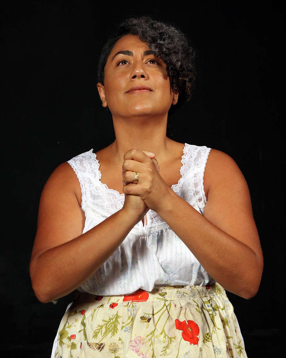 Taina Asili as Abuela Claudia in