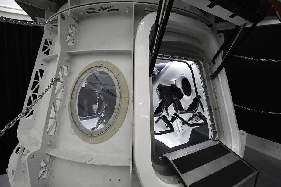 The Dragon simulator is used by SpaceX to train astronauts at its headquarters in Hawthorne (Los Angeles County). The company is planning to send a private tourist around the moon. Photo: Robyn Beck / AFP / Getty Images
