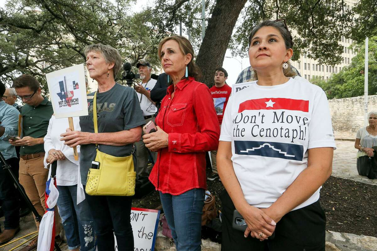 Charisma Villarreal (from left), Angela Smith and Annette Bennett of the Fredericksburg Tea Party attend a Sept. 14 news conference at the Cenotaph. These Texans and others who don't want the Cenotaph overshadowed by political correctness have been ignored.