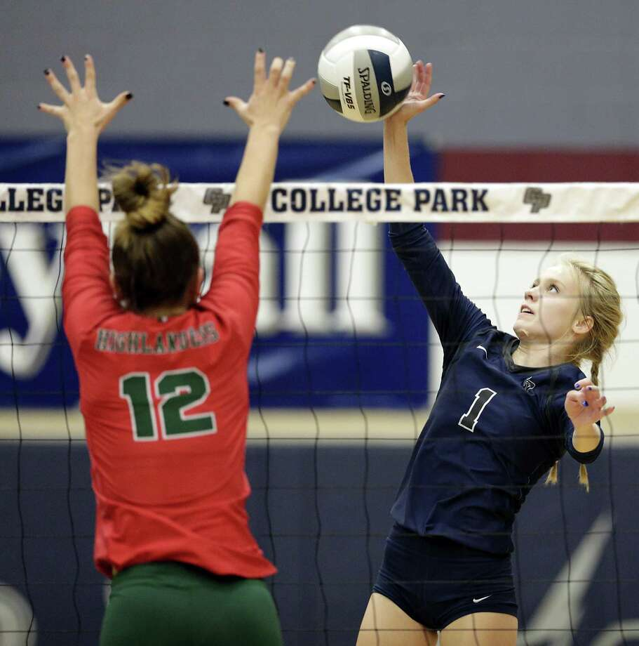 College Park's Parker Pogue, shown here earlier this season against The Woodlands, had 20 kills Friday night against Klein Oak. Photo: Michael Wyke / Contributor / © 2018 Houston Chronicle