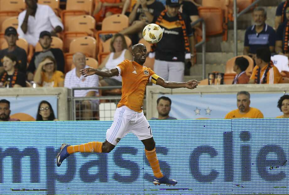 Houston Dynamo defender DaMarcus Beasley (7) catches a pass during the second half of the MLS game against the Portland Timbers at BBVA Compass Stadium on Saturday, Sept. 15, 2018, in Houston. The Houston Dynamo defeated the Portland Timbers 4-1. Photo: Yi-Chin Lee/Staff Photographer