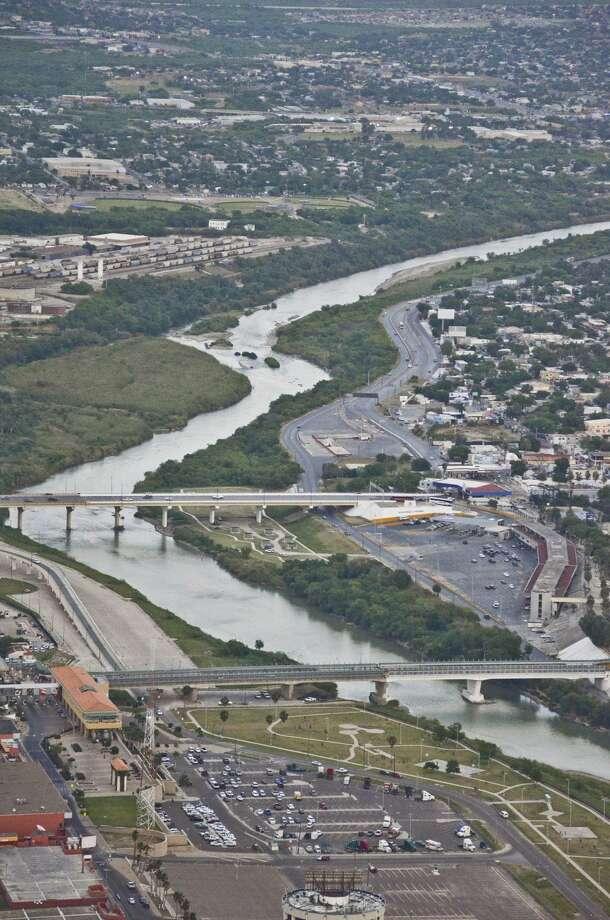 Aerial view of Mexico, the Rio Grande, The Bridge of the Americas and the Lincoln-Juarez Bridge on April 10, 2014. Photo: Danny Zaragoza /Laredo Morning Times