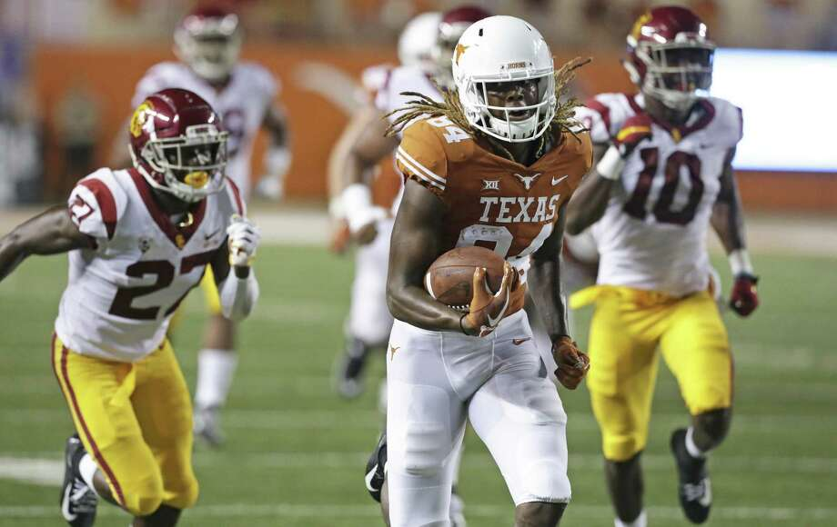 Longhorn wide receiver Lil'Jordan Humphrey races to a touchdown in the second quarter as UT plays USC at DKR Stadium on September 15, 2018. Photo: Tom Reel, Staff / Staff Photographer / 2017 SAN ANTONIO EXPRESS-NEWS