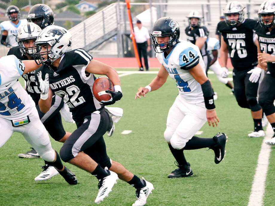 Runningback Brian Benavides carries the ball for the United South Panthers as they played San Antonio Harlan, Saturday, September 15, 2018 at the United ISD Student Activity Complex. Photo: Cuate Santos /Laredo Morning Times / Laredo Morning Times