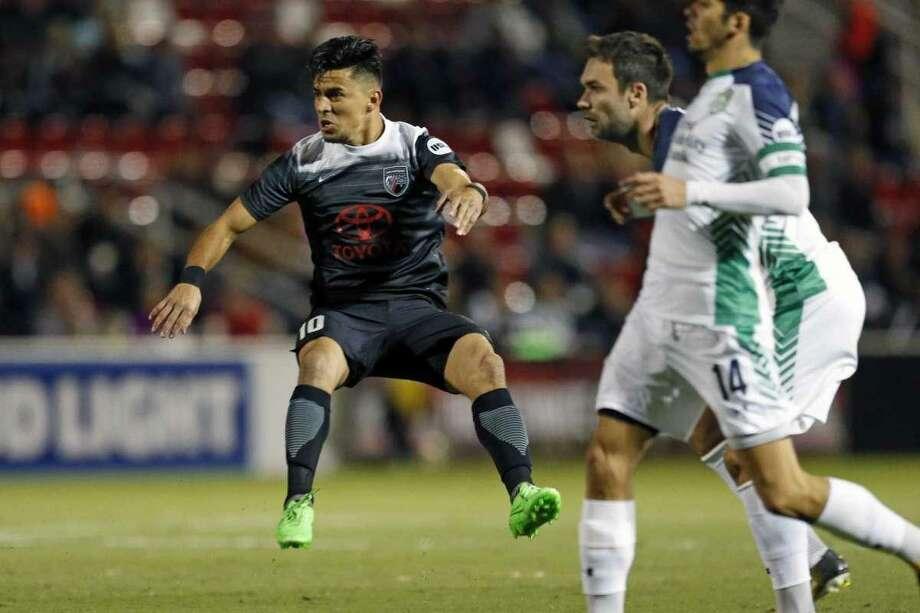 Cesar Elizondo scored San Antonio FC's lone goal in Saturday's loss vs. TUlsa. Photo: Ronald Cortes /Contributor