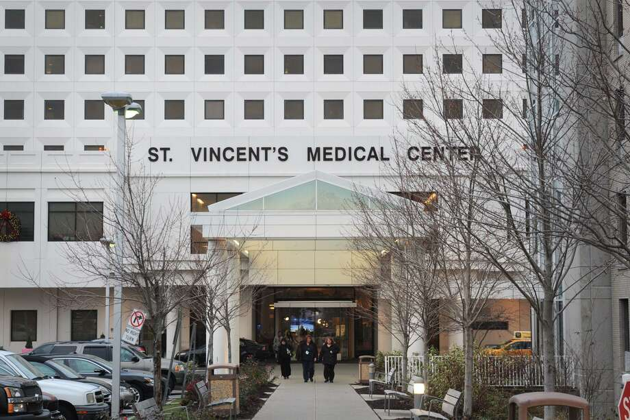 Exterior of St. Vincent's Medical Center, in Bridgeport, Conn. Dec. 12, 2016. Photo: Ned Gerard / Hearst Connecticut Media / Connecticut Post