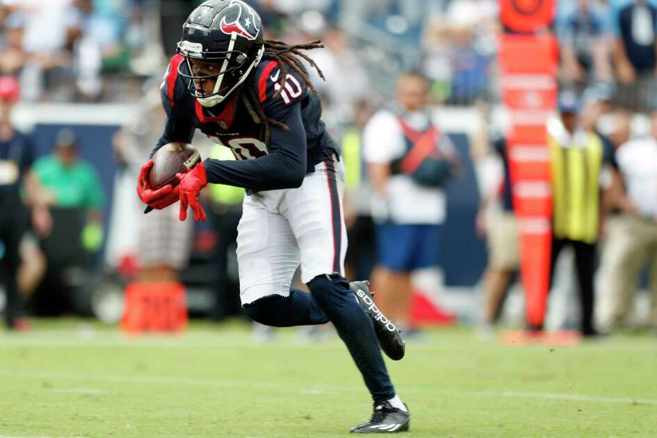 Houston Texans wide receiver DeAndre Hopkins (10) runs all alone as he makes a 28-yard touchdown reception against the Tennessee Titans during the second quarter of an NFL football game at Nissan Stadium on Sunday, Sept. 16, 2018, in Nashville.