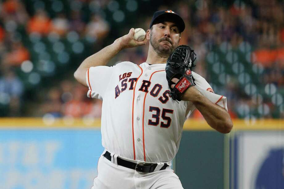 HOUSTON, TX - SEPTEMBER 16: Justin Verlander #35 of the Houston Astros pitches in the first inning against the Arizona Diamondbacks at Minute Maid Park on September 16, 2018 in Houston, Texas. (Photo by Bob Levey/Getty Images) Photo: Bob Levey, Stringer / Getty Images / 2018 Getty Images