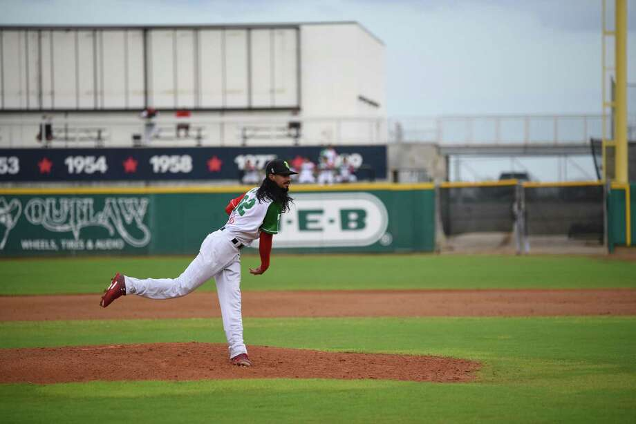 Terance Marin pitched a complete game Sunday allowing three runs, four hits and a walk as the Tecolotes were eliminated with a 3-1 loss to Monclova at Uni-Trade Stadium. Photo: Christian Alejandro Ocampo /Laredo Morning Times / Laredo Morning Times