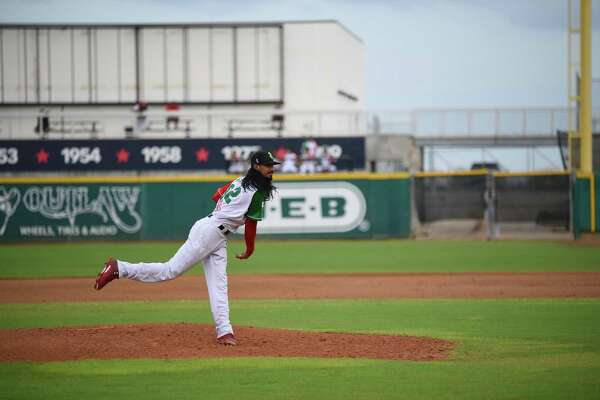 Terance Marin pitched a complete game Sunday allowing three runs, four hits and a walk as the Tecolotes were eliminated with a 3-1 loss to Monclova at Uni-Trade Stadium.