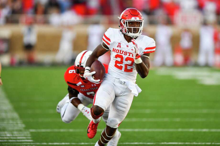 f86728ee489 LUBBOCK, TX - SEPTEMBER 15: Terence Williams #22 of the Houston Cougars  breaks