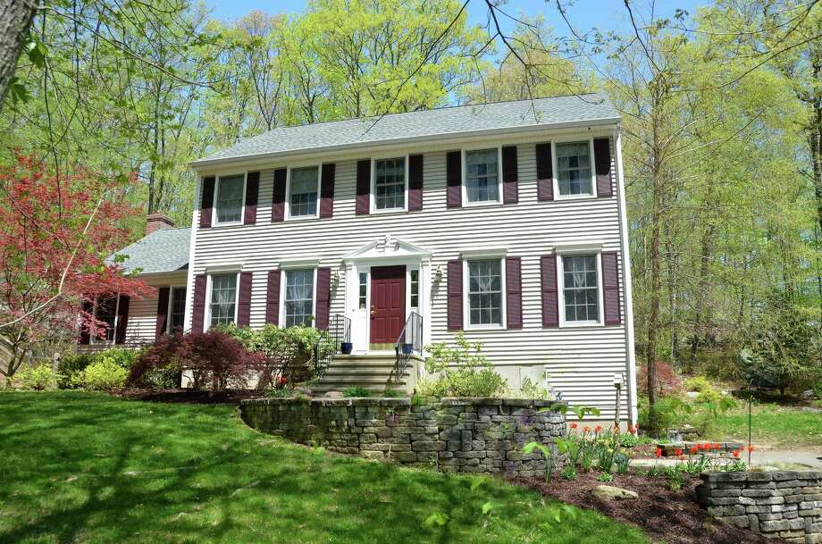 Photo: Berkshire Hathaway Home Services New England Properties / ONLINE_CHECK