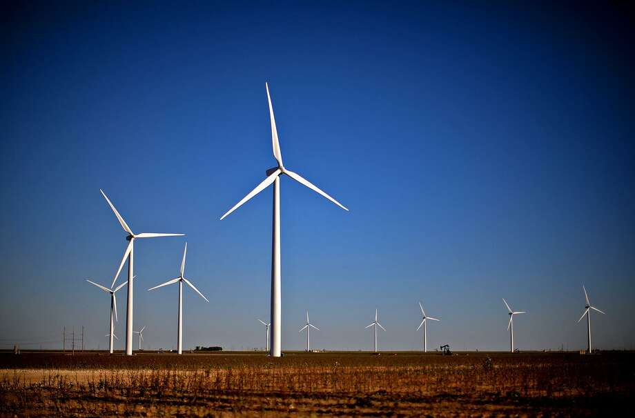 Wind turbines in action north of Stanton, Texas. Offshore wind development company Vineyard Wind LLC has its sights set on Bridgeport for its new multimillion-dollar project constructing turbines for its project off the coast of Martha's Vineyard. Photo: James Durbin / Midland Reporter-Telegram / © 2015 Midland Reporter Telegram. All Rights Reserved.