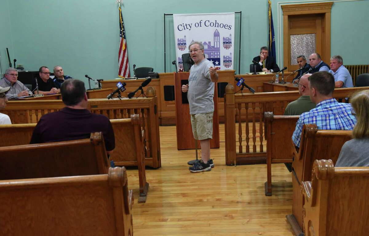 Tim Thibodeau of Cohoes, center, voices his support of Mayor Shawn Morse as an emergency meeting of Cohoes Common Council was called to address fresh charges against Mayor Shawn Morse at Cohoes City Hall on Monday, Sept. 17, 2018 in Cohoes, N.Y. Earlier Morse said he doesn't plan on stepping down from his job. (Lori Van Buren/Times Union)