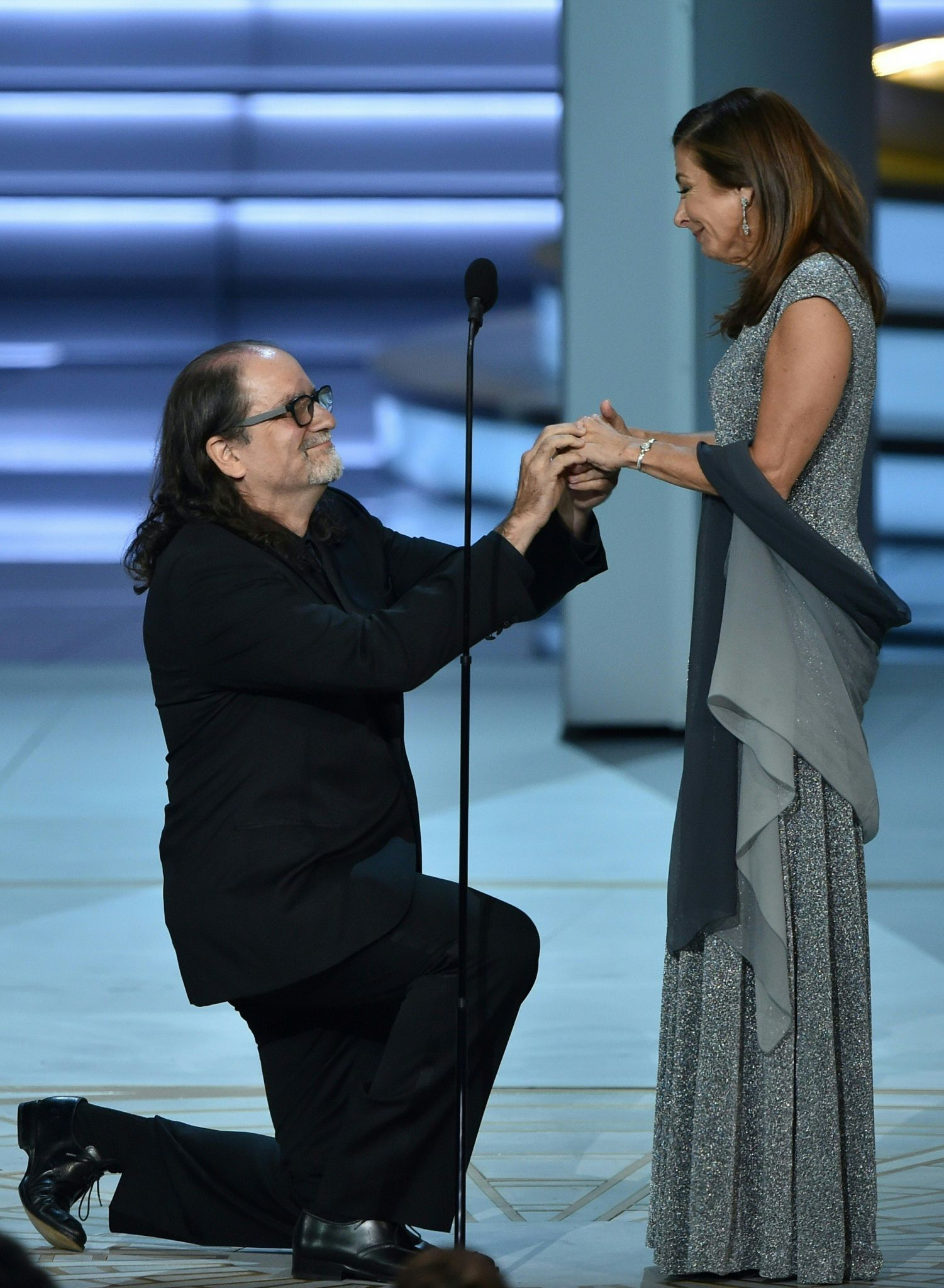 Glenn Weiss proposes to girlfriend during Emmys acceptance speech ...