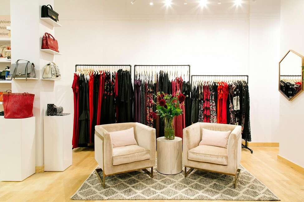 Rent the Runway Where Hiring: New York, NY; San Francisco, CA: Arlington, TX; Secaucus, NJ & more What Roles: Planner, Data Analyst, Customer Experience Associate, Manager of Engagement Marketing, Product Development Assistant, Store Experience Associate, Operations Associate, Manager of FP&A, Software Engineer, Team Lead of Operations, Merchandising Assistant, Payroll Manager, Fashion Operations Assistant & more. Source: Glassdoor