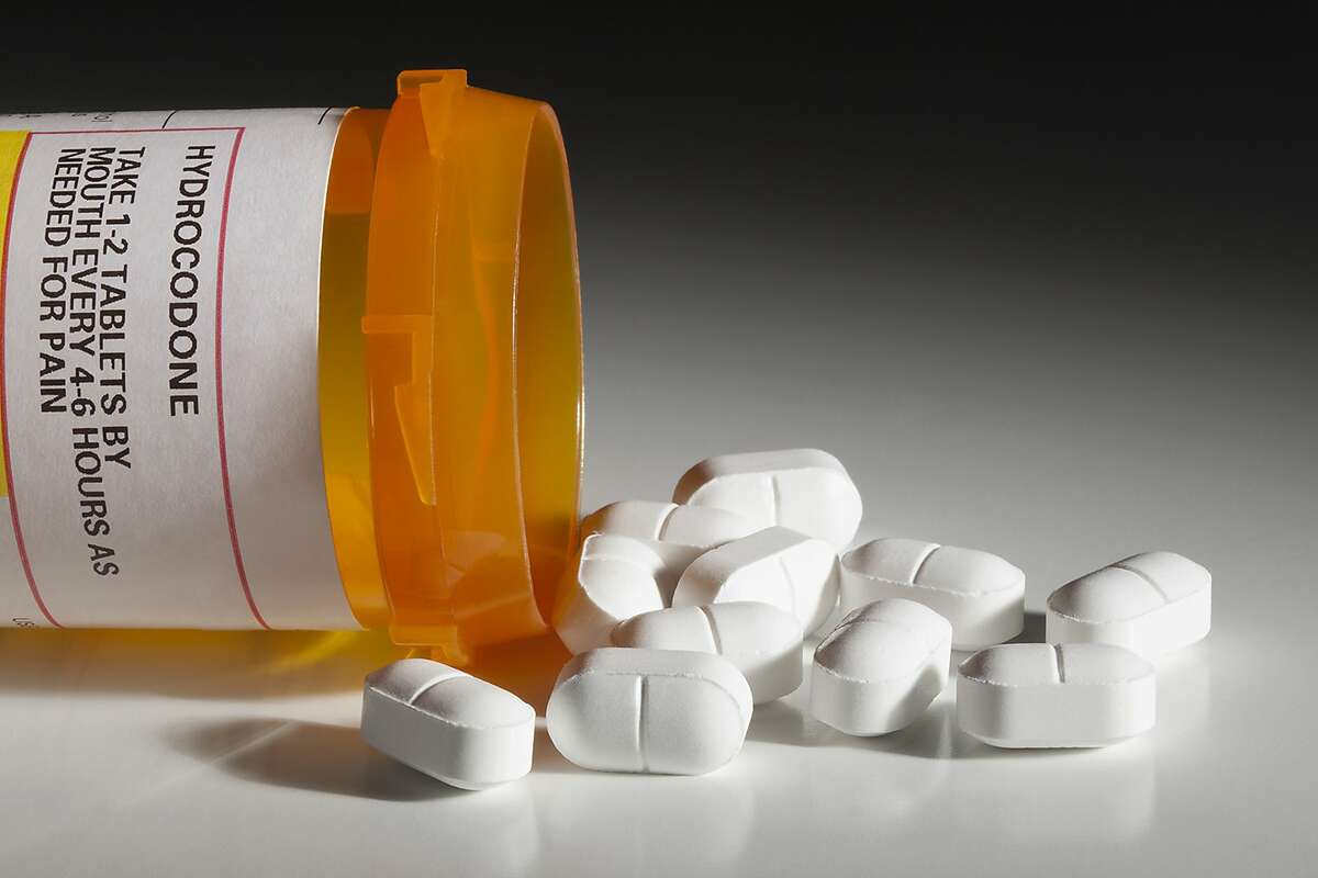 A San Jose doctor faces three counts of illegal distribution of hydrocodone and one count of illegal distribution of oxycodone pills.