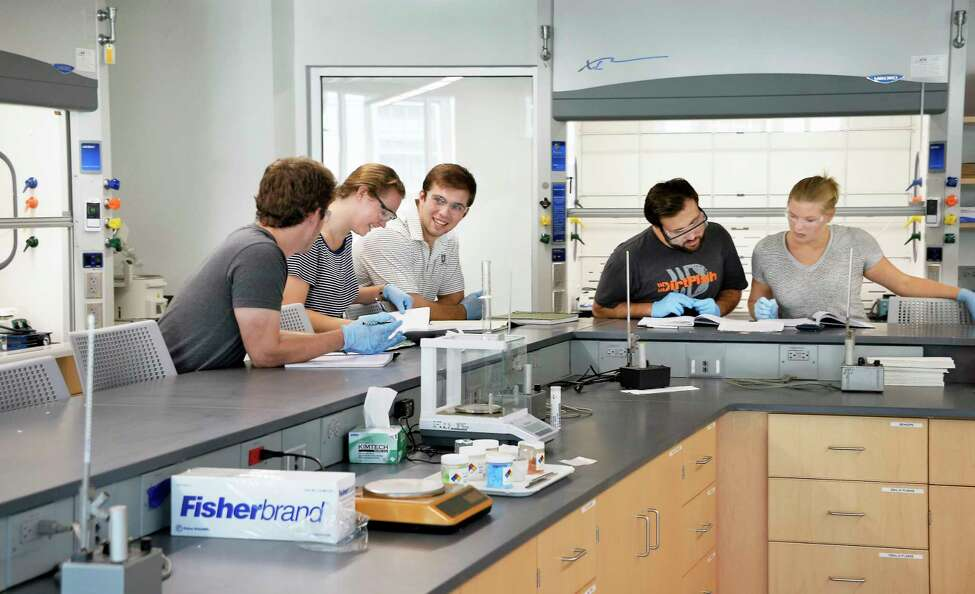 Students in a chemistry lab at Union College's new Ainlay Hall on Wednesday Sept. 19, 2018 in Schenectady. (John Carl D'Annibale/Times Union)