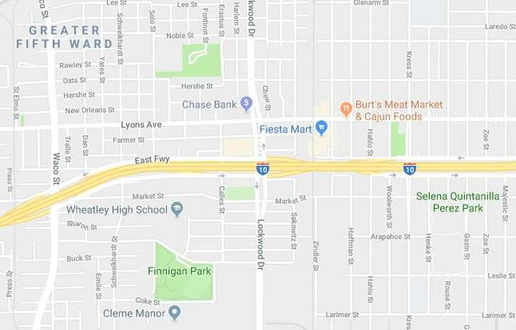 Houston City Council agreed Wednesday to subsidize the construction of a grocery store around the corner from a Fiesta Mart in Fifth Ward.