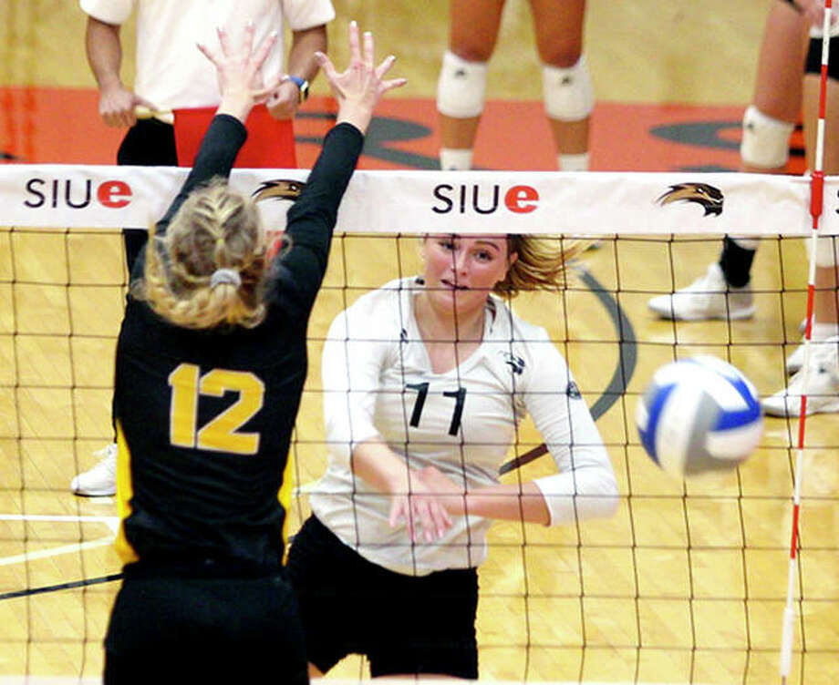SIUE's Rachel McDonald had nine kills for the Cougars Wednesday night in their Ohio Valley Conference loss to Eastern Illinois University in Charleston. Photo: SIUE Athletics