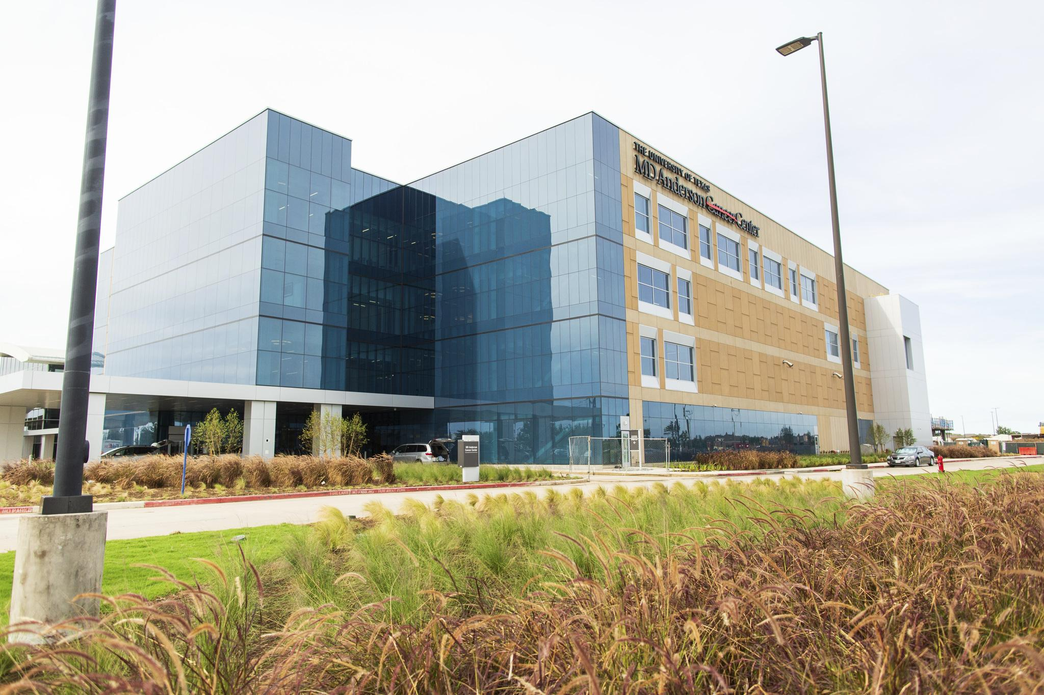MD Anderson, UTMB open League City cancer facility - Houston Chronicle