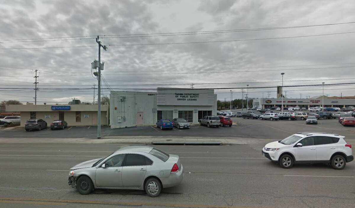San Antonio Pat Booker/Universal City Driver License Office: 1633 Pat Booker Road, Universal City Average wait time:25 minutesNumber of transactions completed in fiscal year 2017:89,912